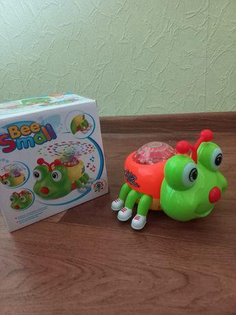 Музичний танцюючий жук - інтерактивна іграшка