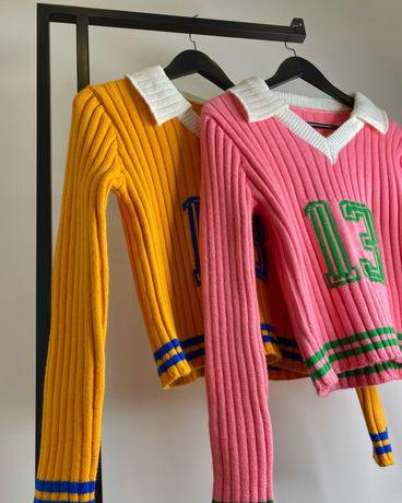 Трикотажный свитер с воротником поло