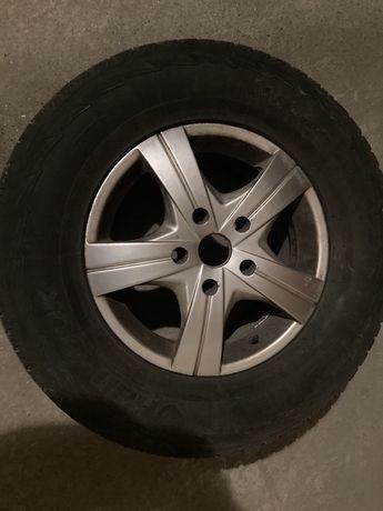 Продам зимние шины диски внедорожник Rexton. r16