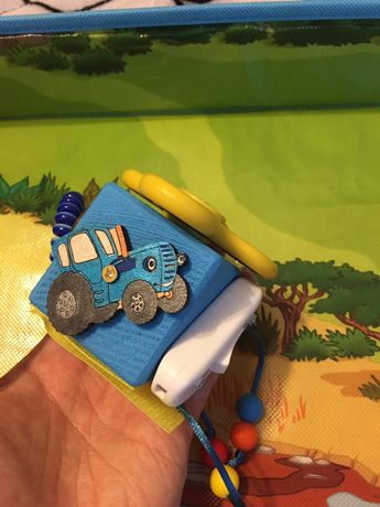 Бизикуб для мылыша Синий трактор