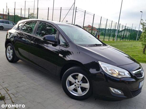 Opel Astra Black Selection Benzyna Alufelgi Klima Tempomat Ster Głosem Super Stan