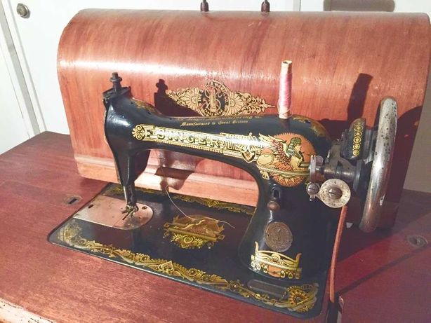 Máquina de Costura Singer - tudo de origem - a funcionar na perfeição