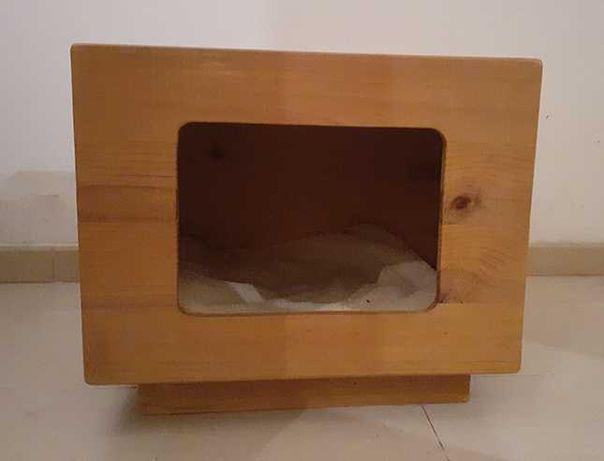 Casa para gato/cão pequeno feita à mão (madeira natural)