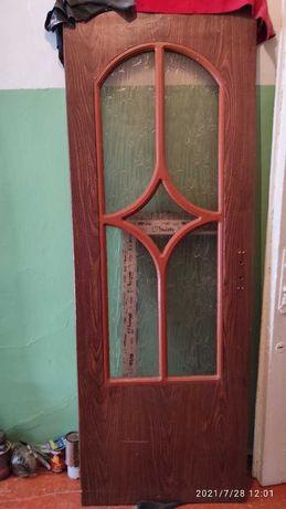 Дверь б\у в нормальном состоянии