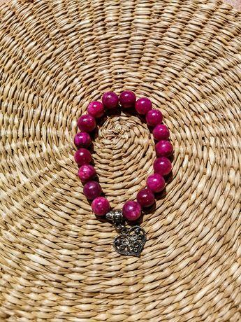 Damska bransoletka różowa fioletowa z serduszkiem