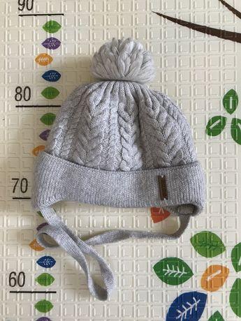 Продаю зимнюю шапку на малыша
