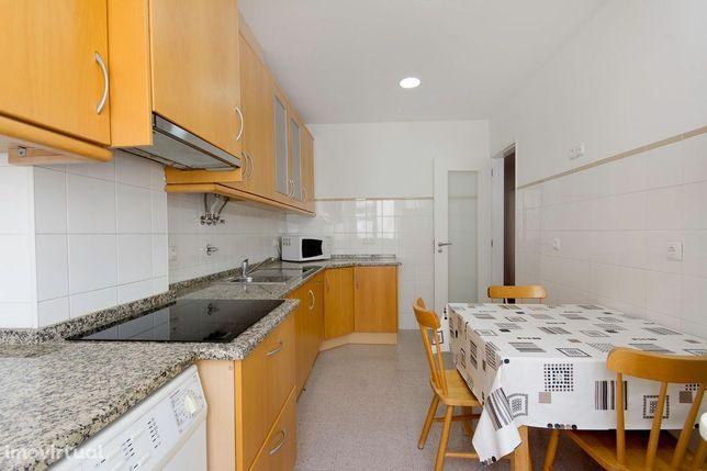 Apartamento T2 Linda a Velha