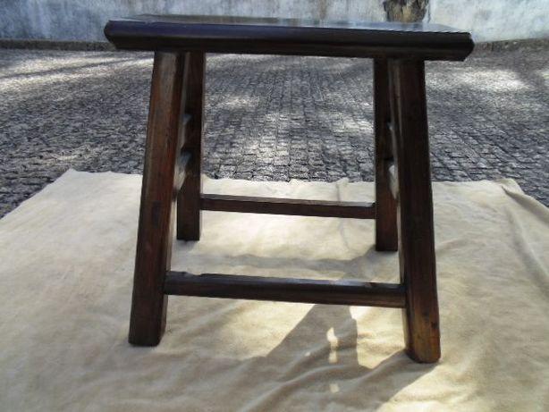 Banco/ mesa em madeira exótica