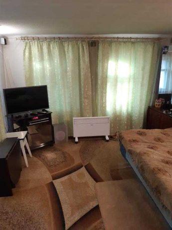 Продам домик на Холодной Горе с квадратным участком 6 соток