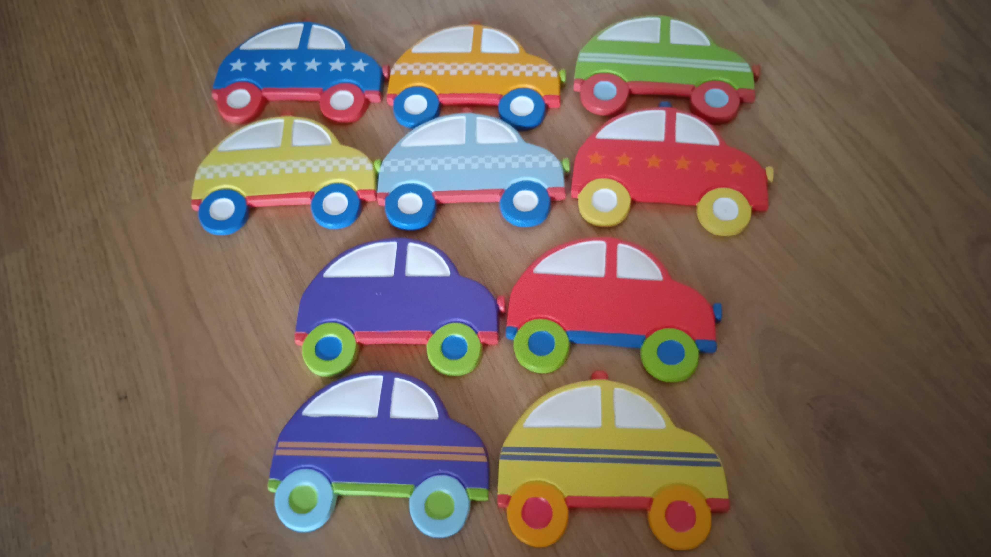 Conjunto de 10 carros em cerâmica