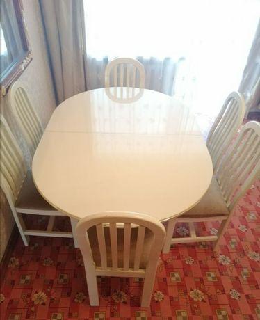 Шикарный итальянский стол цвета слоновой кости!