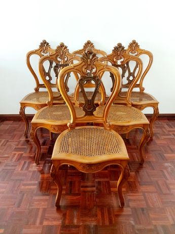 Conjunto de 6 cadeiras em madeira de faia ao estilo de Luís XV