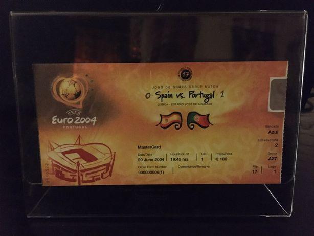 Bilhete do jogo Euro 2004 - Portugal / Espanha + 2 pin´s oficiais