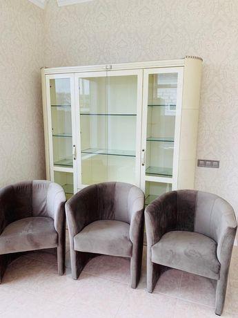 Шикарные кресла диван мебель