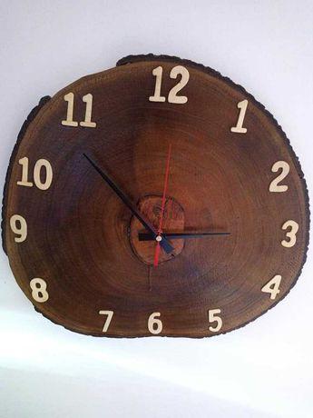 Relógios em madeira, pedra e mistos feitos à mão