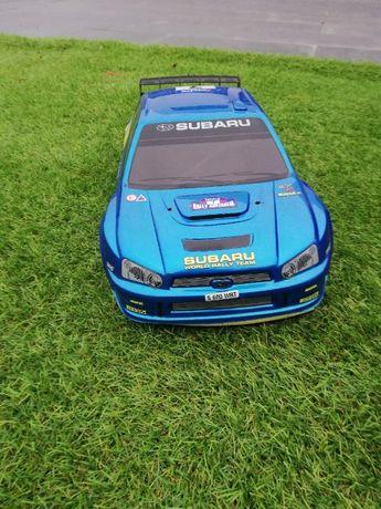 Carro Subaru Telecomandado a Gasolina