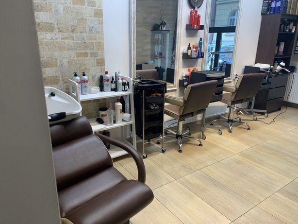 Odstąpię lokal fryzjersko-kosmetychny 57 m Kazimerz