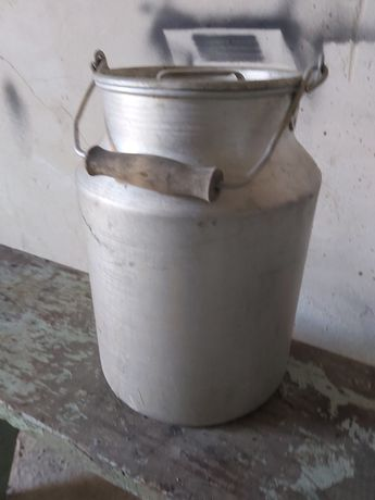 Бидон молочный 10 литров алюминий в хорошем состоянии