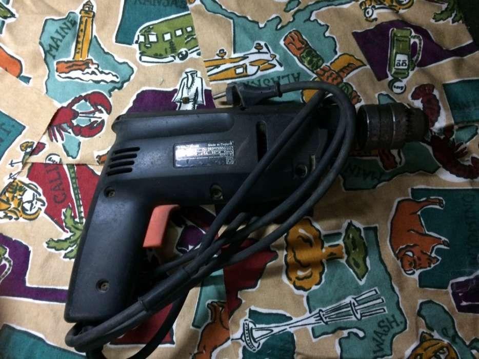 Berbequin Black Decker Buarcos - imagem 1