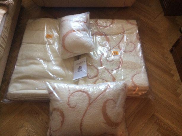 Комплект шерстяное одеяло , подушки , наматрасник Lama Gold