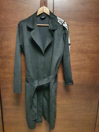 Czarny płaszcz, rozm. L, By o la la