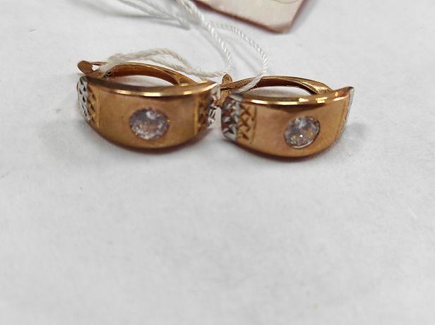 Золоті сережки з камінцем