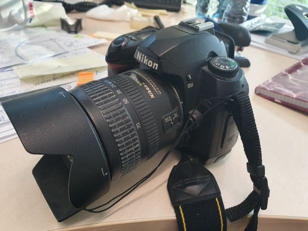 Aparat Nikon D 70 s z obiektywem