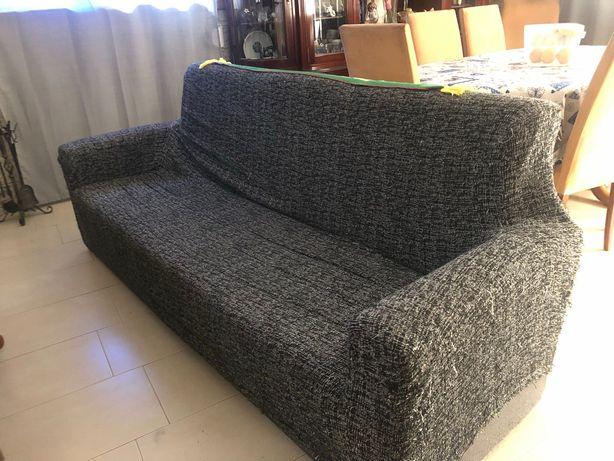 Sofá com arrumação