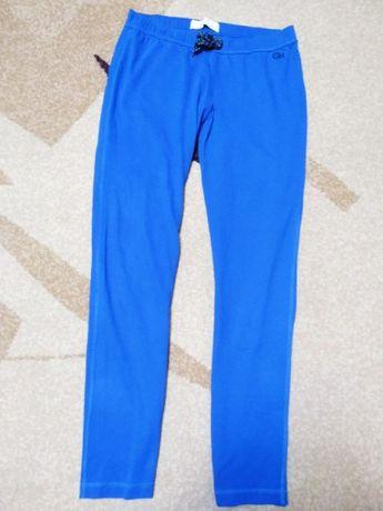 Женские спортивные брюки.