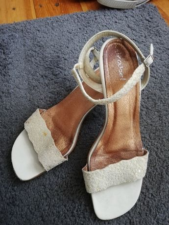 Sandały ecru 39 eleganckie