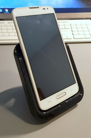Telefon LG L90 biały + stacja dokująca Samsung