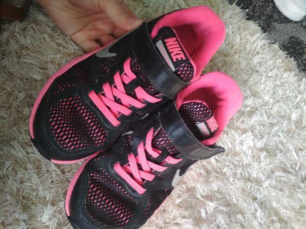 Кроссовки Nike, Кросівки найк