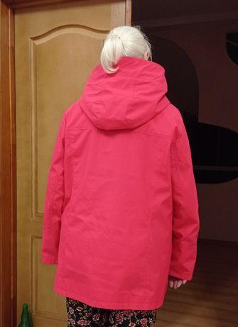 продам женскую куртку-ветровку