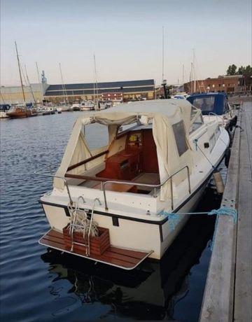 Łódź kabinowa, jacht motorowy kabinowy