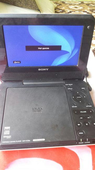 Sony портативный DVD-проигрыватель. Рабочий