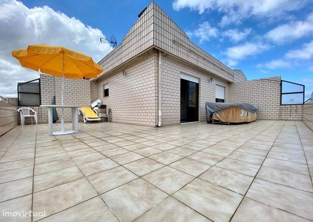 T3+1 Duplex Recuado Com Garagem em Nogueira da Maia