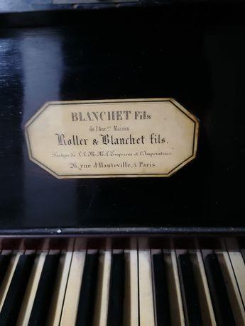 Piano Vertical Roller & Blanchet, Paris.