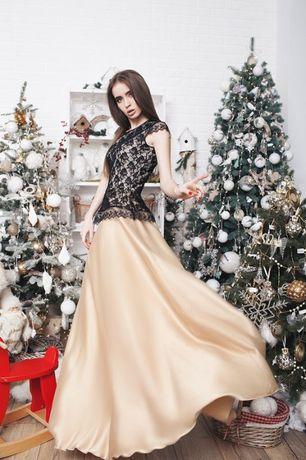 красивое вечернее платье в пол. Вечернее макси платье с гипюром