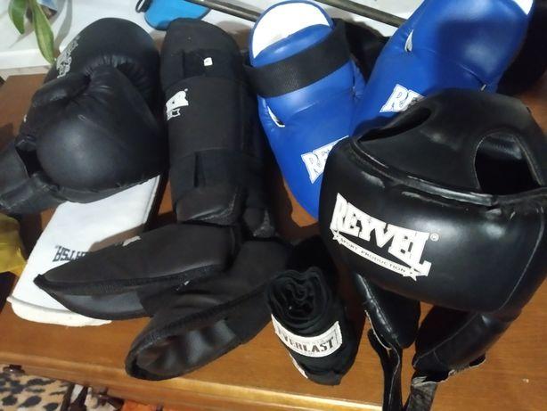 Кик боксёрский набор перчатки накладки (2) пары шлем Бинты шорты