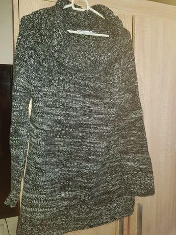 Gruby swetr szary z golfem