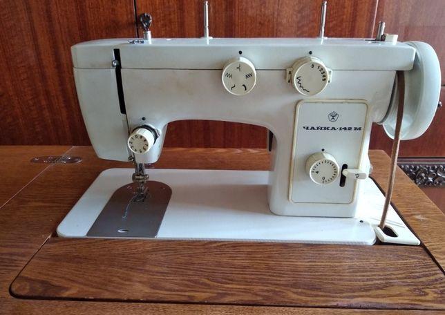 Продам швейную машину Чайка 142М