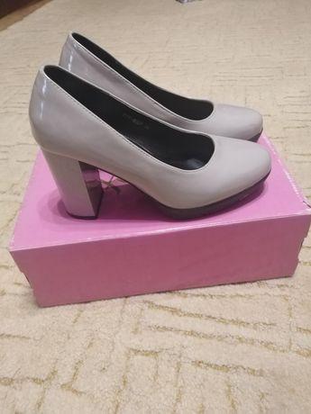 Туфлі жіночі, розмір 36