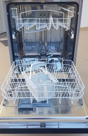 Máquina de lavar loiça Indesit