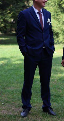 Продам мужской классический костюм синего цвета
