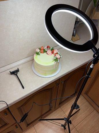 Кольцевая LED лампа 26 см 22W со штативом и креплением под телефон