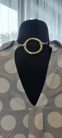 Bluzka z dekoldem na plecach