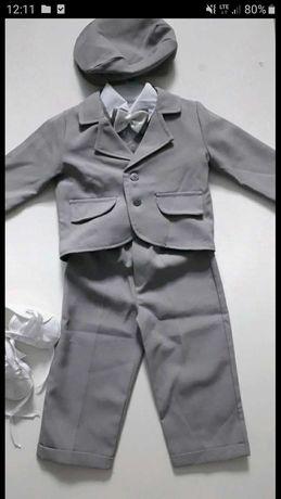 Przepiękny garniturek dla chłopca
