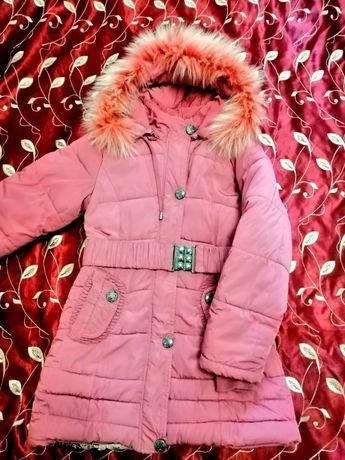 Зимнее теплое пальто куртка на девочку