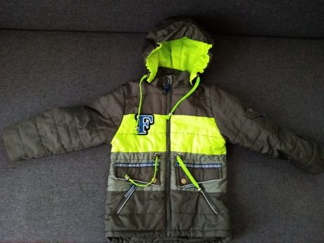 Куртка осенняя на мальчика 3-4 года
