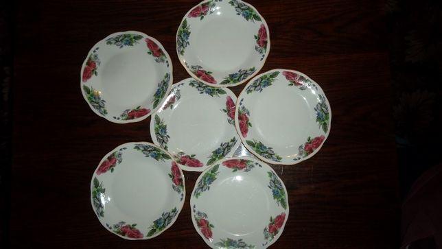 Продам тарелки с красивым рисунком. Диаметр 20 см. 6 шт. Посуда